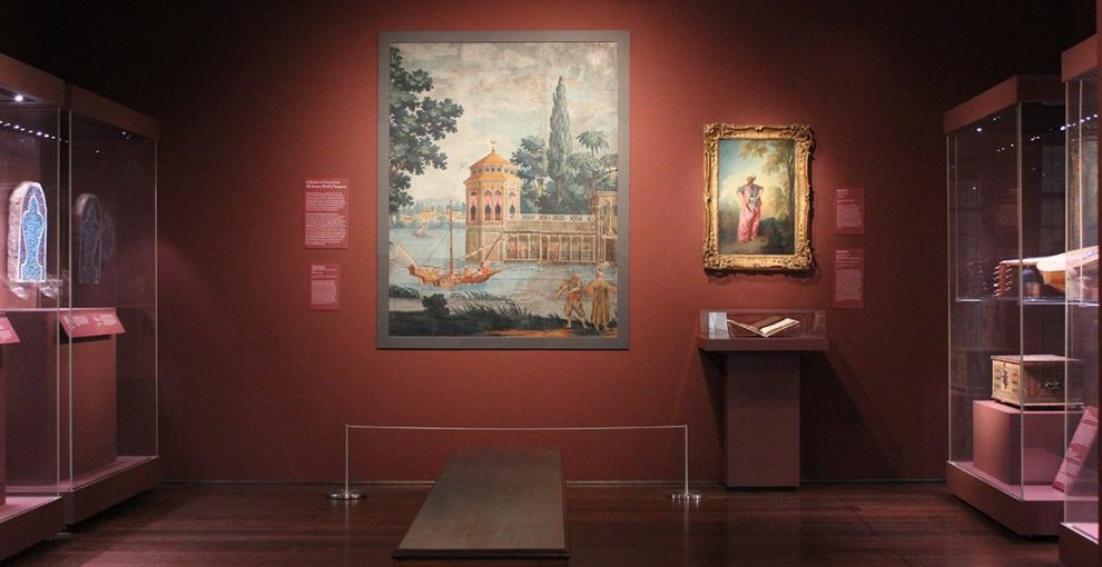 A few pointers for approaching exotic art gallery